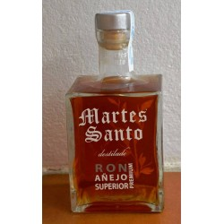 RON AÑEJO PREMIUM SUPERIOR TUESDAY SANTO