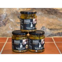 Boletus Edulis troceado y en aceite de oliva